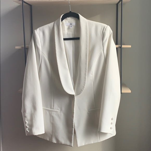Missguided Jackets & Blazers - White Missguided blazer size 8